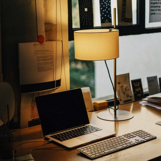 TMD TABLE LAMP BY SANTA & COLE
