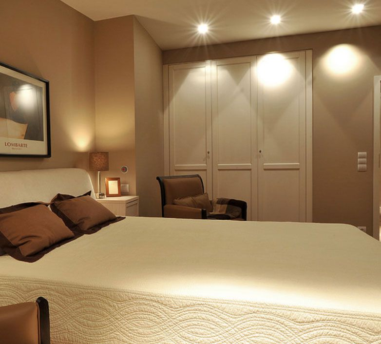 Diferenciar ambientes mediante la iluminaci n el blog de - Iluminacion habitacion matrimonio ...