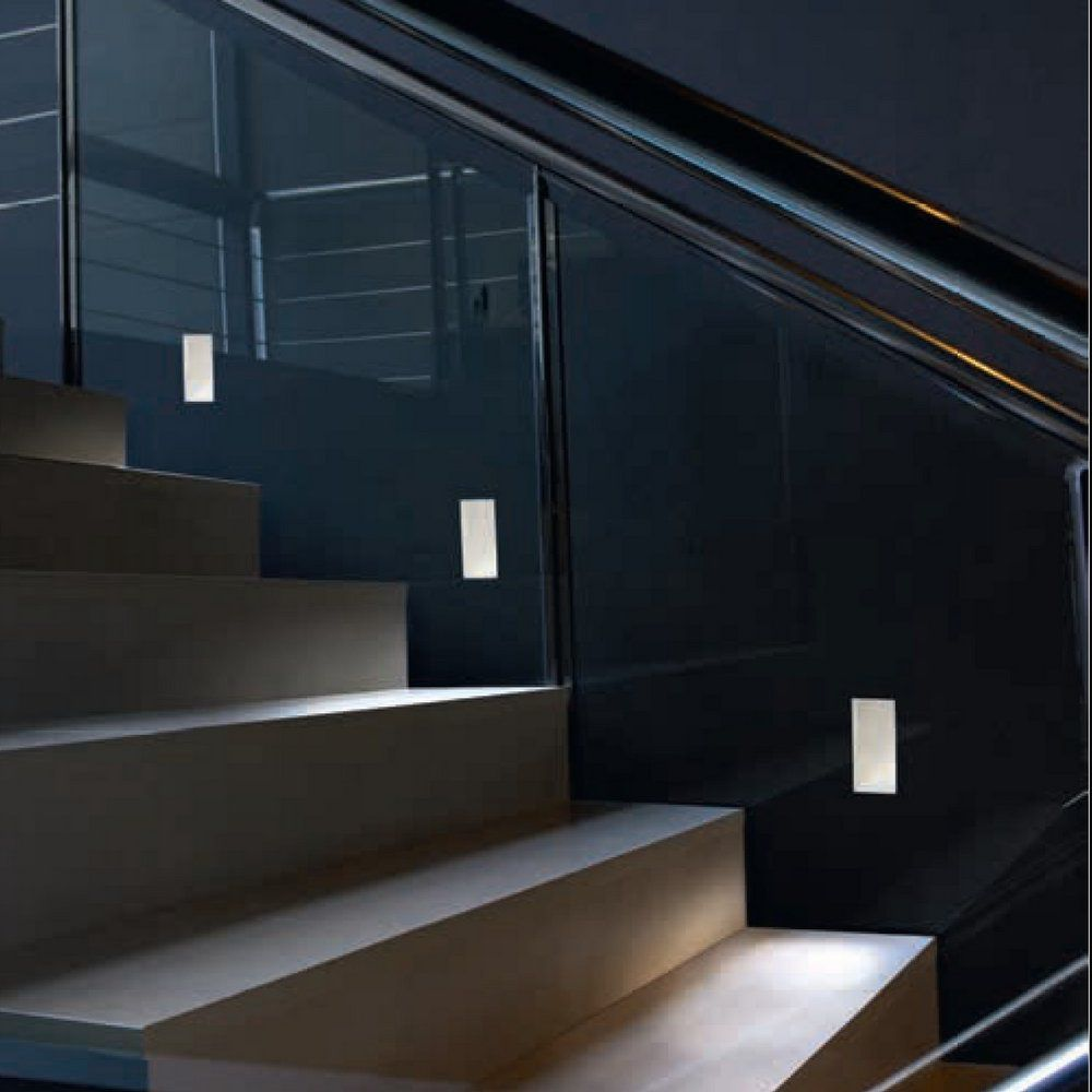 Luz se alizaci n escaleras el blog de for Escalera de hormigon con descanso